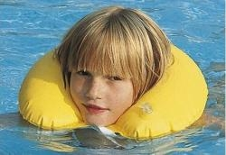 Inflatable swimming collar